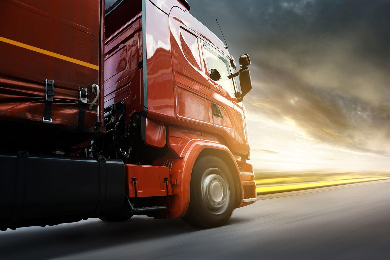 Camion Boueix roulant sur l'autoroute